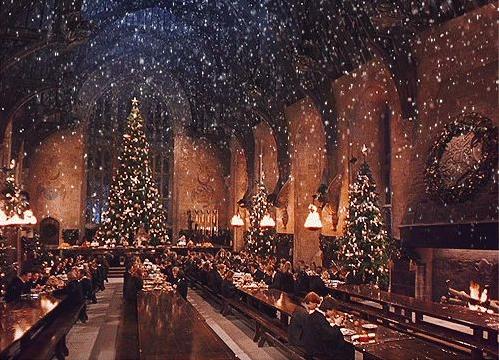 Christmas Hogwarts3.png