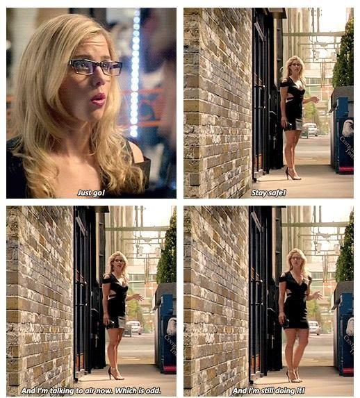 Felicity Smoak3