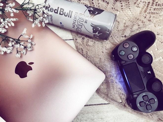 Macbook Red Bull PS4