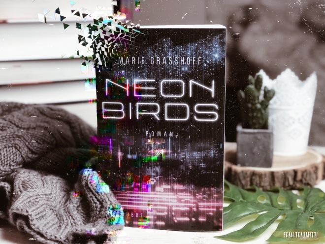 Neon Birds b